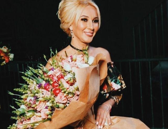 """Лера Кудрявцева прокомментировала слухи: """"Ребят, успокойтесь, рожала я сама"""""""