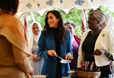 Принц Гарри нарушил королевский этикет, рассмешив публику