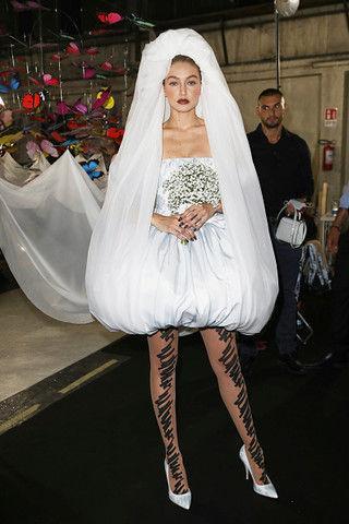 Джиджи Хадид примерила свадебное платье