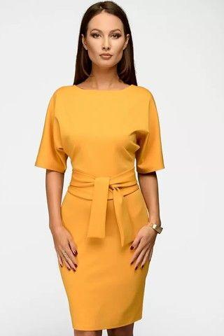 Риз Уизерспун надела универсальное платье для осени