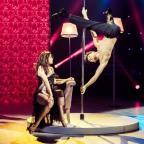 """Женя Кот показал, как тренировал невероятный трюк на пилоне для 7-го эфира шоу """"Танці з зірками"""" (ЭКСКЛЮЗИВ)"""