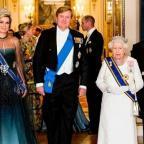 Королева Елизавета II провела гала-прием в Букингемском дворце для королевской четы Нидерландов (ФОТО+ВИДЕО)