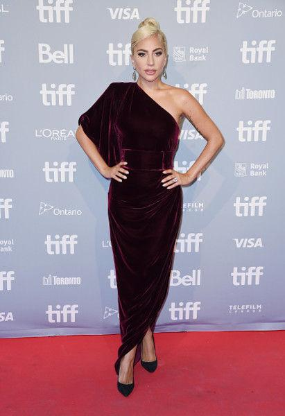 Леди Гага оделась как Ким Кардашьян