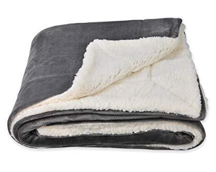 В чем преимущества комбинированных одеял?