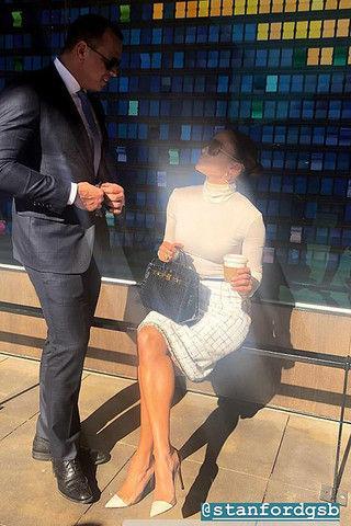 Жених Джей Ло случайно засветил ее жирок