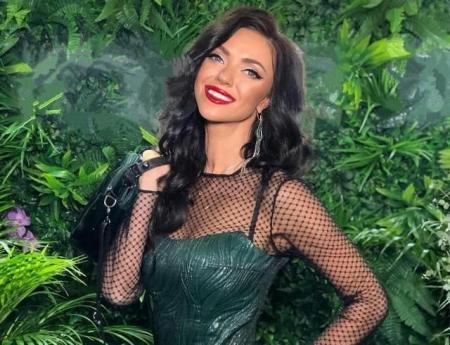"""Вика из """"НеАнгелов"""" показала, где искать новогоднее настроение (ФОТО)"""