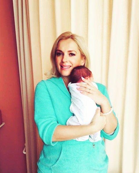 Мария Порошина показала новорожденного ребенка