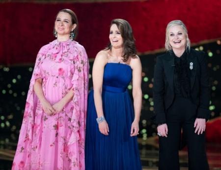 """""""Оскар"""" без ведущих, но с шутками на тему хитов и промахов церемонии: смотрите яркое открытие шоу"""
