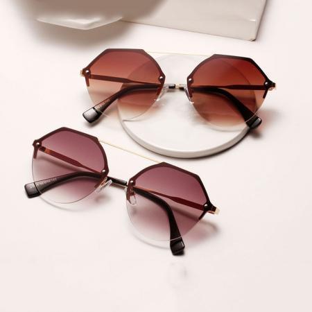 Брендовые вещи – солнцезащитные очки
