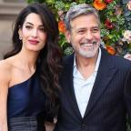 Джордж и Амаль Клуни в гармоничных образах посетили гала-вечер в Эдинбурге (ФОТО)