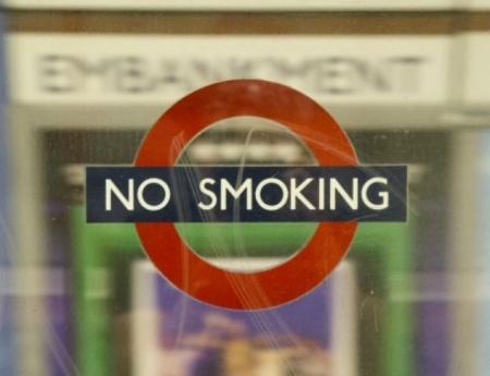 Сервис Netflix пообещал отказаться от сцен курения в новых фильмах и сериалах, разрешенных для детей