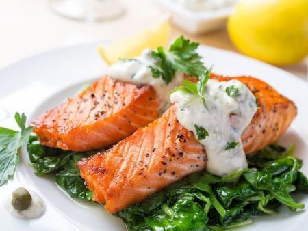 Как правильно готовить лосось и с чем подать