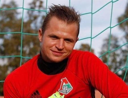 Футболист Дмитрий Тарасов подал в суд на первую супругу