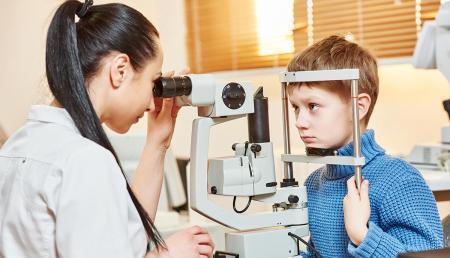 Зачем нужна консультация детского офтальмолога