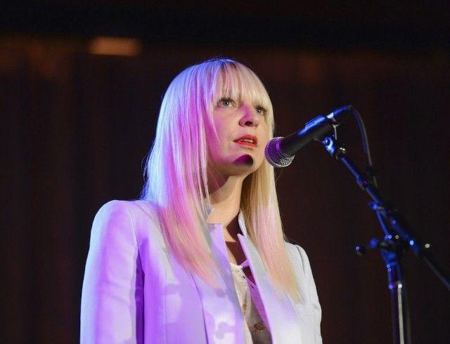 44-летняя певица Sia усыновила двоих подростков: появился комментарий артистки