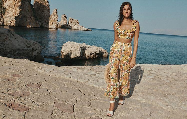 Рай на земле: Ирина Шейк снялась в горячей рекламе купальников Zimmermann (ФОТО)